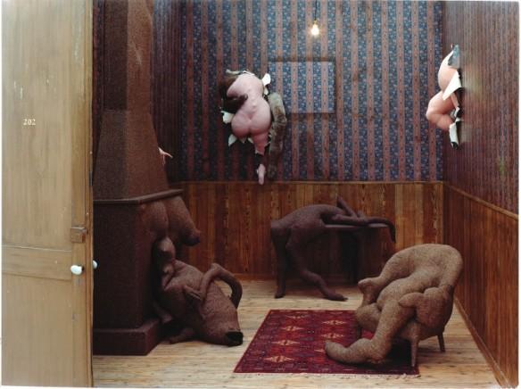 Dorothea Tanning, Hôtel du Pavot, Chambre 202 (1970-1973)